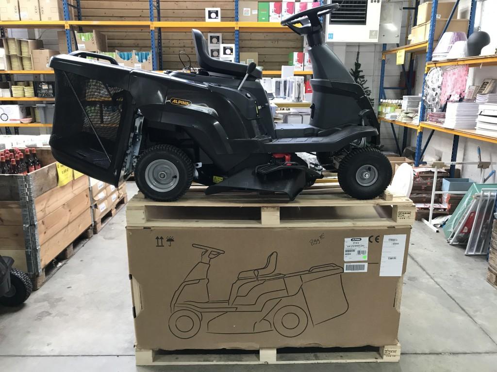 Tracteur tondeuse / Sous-vêtements / Radiateur
