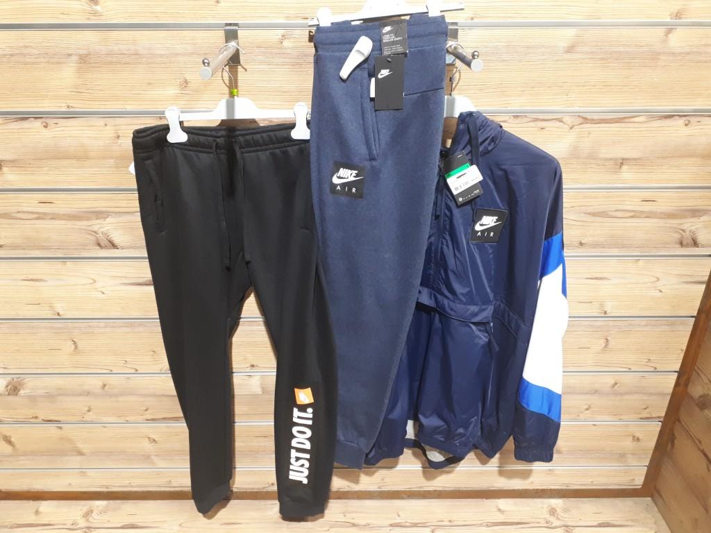 Vêtements et accessoires de sport