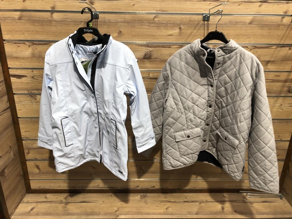 Vêtements marins / Farine